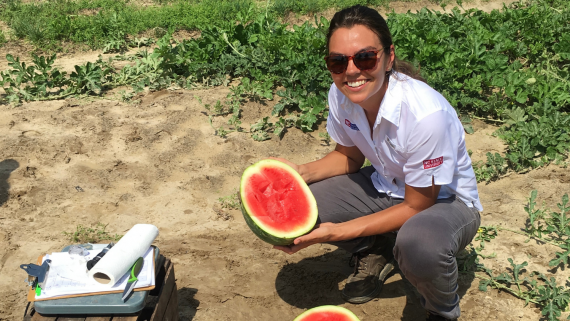 Nettie Baugher Gets Hands-on with Horticulture Research